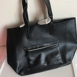 Handbags - Black Leather Tote Bag